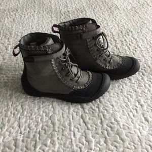Shoes - Like New Jeep Boots - 7